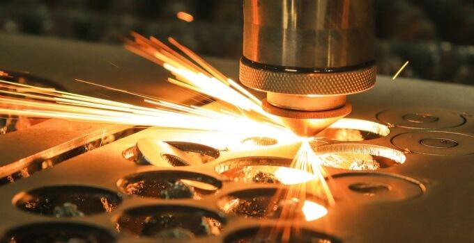 how to use metal cutting machine