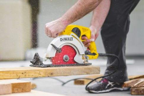 Difference between the table saw and miter saw