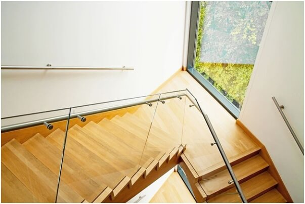 Frameless Handrail